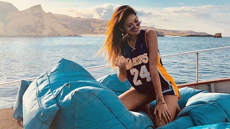Maria Selena Tampil Mempesona Saat Bermain Basket